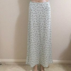 Green floral maxi skirt like-new